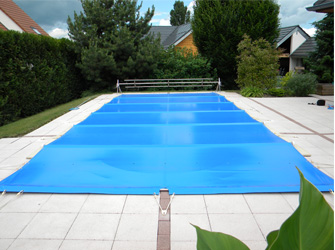 Baches_piscines_à_barres